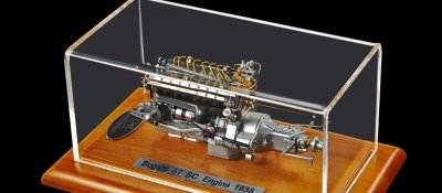 CMC Bugatti Type 57 SC Engine with Showcase